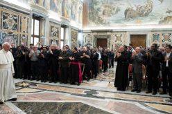 """Папата: Денес секоја земја е """"мисионерско подрачје"""""""