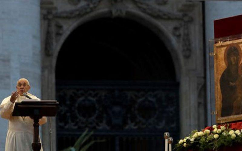 Папата: Марија го изразува богатството на Божјото милосрдие