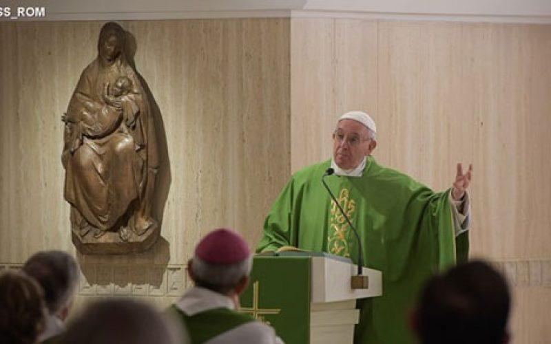 Папата: Доброто правете го скриено и бесплатно