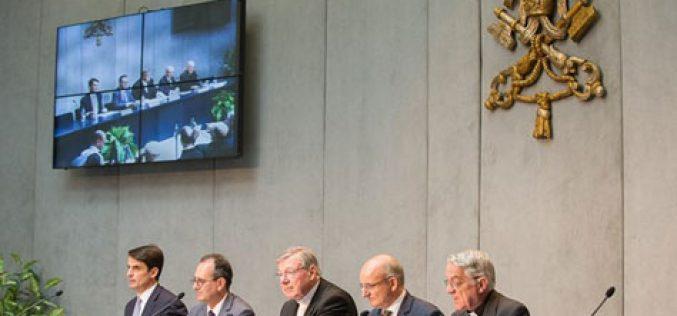 """Папата: """"Мигрантите малолетници се ранливи и без глас"""""""