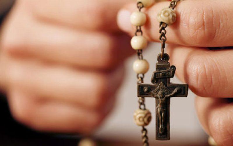 Три измолени Бројаници имаат сила како молитва за егзорцизам