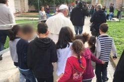 Папата Фрањо посети СОС – детско село во Рим