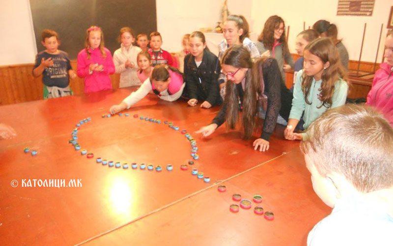 Децата од Нова Маала молеа за мир и единство во светот