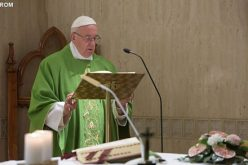 Папата: Крутите луѓе ја немаат слободата на Божји синови