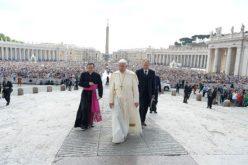 Папата за милосрдното прифаќање на мигрантите и странците