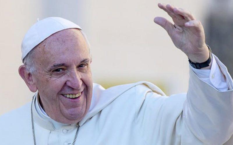 Папата преку Твитер: Молете се за мене