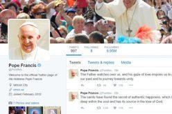 Папата Фрањо со две нови пораки на твитер