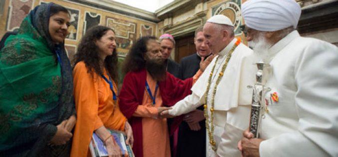 Папата Фрањо: Жедни сме за милосрдие