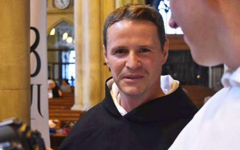 """Поранешниот фудбалер на """"Црвените ѓаволи"""" ќе стане свештеник Доминиканец"""