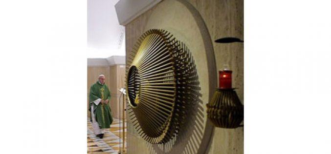 Папата: Да го победиме искушението на религија-спектакл