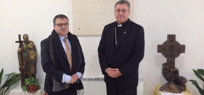 Бискупот Стојанов го прими новиот амбасадор на Франција во Македонија, Н.Е. Кристијан Тимоние