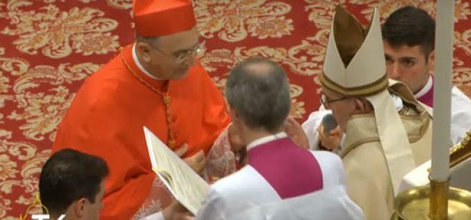 Кардинал Зенари се обрати до папата Фрањо во името на новите кардинали