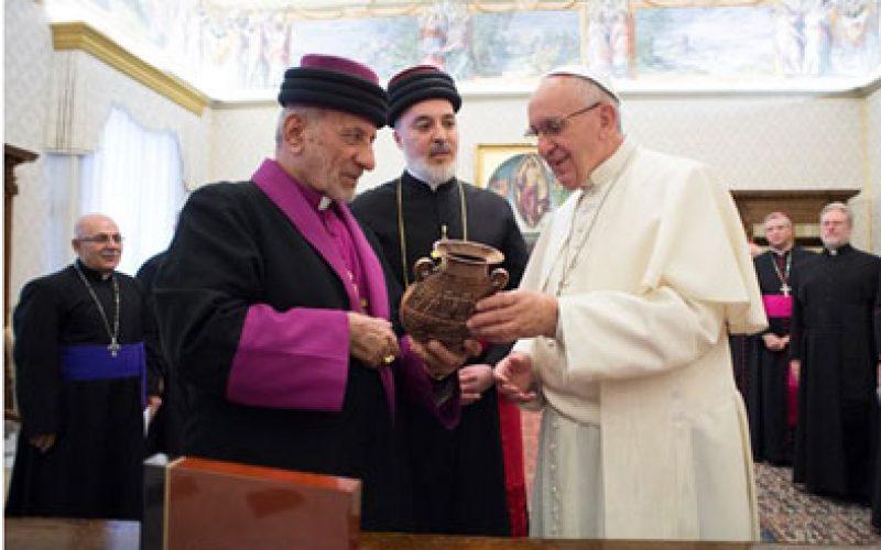 Папата и Патријархот Мар Геваргис III се молат за мир