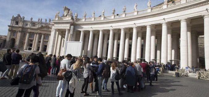 Скоро милијарда верници поминале низ Света врата