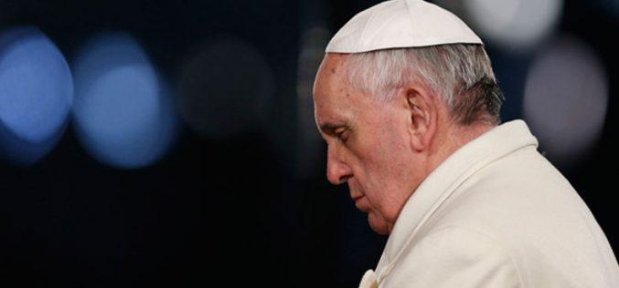 Папата упати сочувство до семејствата на жртвите во авионската несреќа