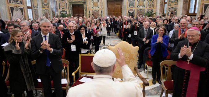Папата Фрањо до француски политичари