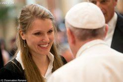 """Папата: Да се спречи """"одливот на мозоци"""""""