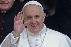 Папата го честиташе Божиќ на знаковен јазик