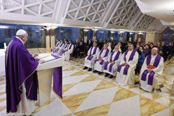 Папата: Христијаните треба да го отвораат патот за Исус