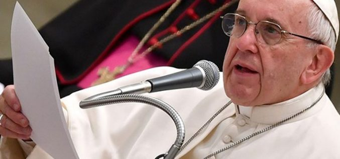 Папата упати апел за мир во Конго