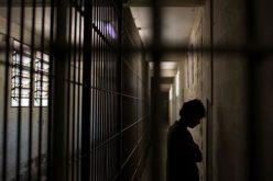 Папата ослободи стотина затвореници
