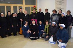 Свештенството и монаштвото упатија честитки за Божиќ до бискупот Стојанов