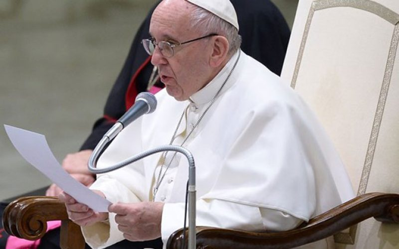 Папата: Плачот на мајките е надеж за нивните деца