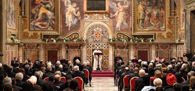 Папата го прими дипломатскиот кор акредитиран во Светиот Престол
