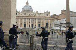 """Папата се заблагодари на """"ангелите чувари"""" на Ватикан"""