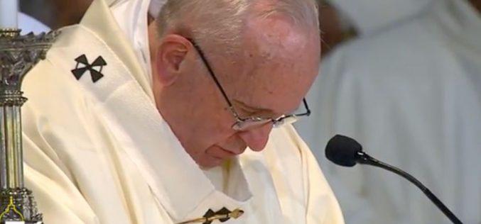 Папата изрази сочувство за авионската несреќа во Киргистан