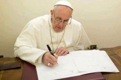 Папата испрати порака до Доналд Трамп