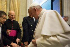 На Папата му се претставени јагнињата од кои ќе се исткајат палиуми