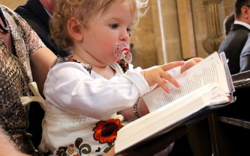 Како да се молиме за своите деца?