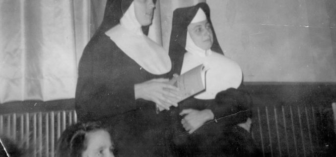 """Сестра Еврозија: """"Кажете им да станат светици"""""""
