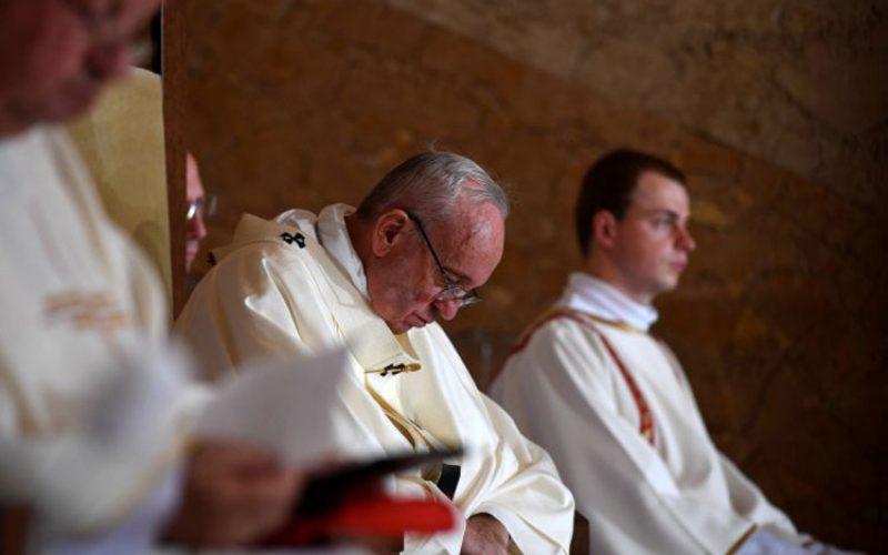 Папата во интервју зборува за Донал Трамп и открива зошто не гледа телевизија