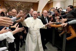 Папата: Никогаш не наметнувајте услови на Бог