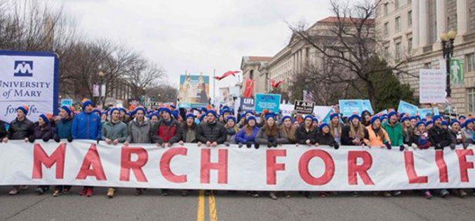Папата со поддршка на Маршот за живот во Вашингтон
