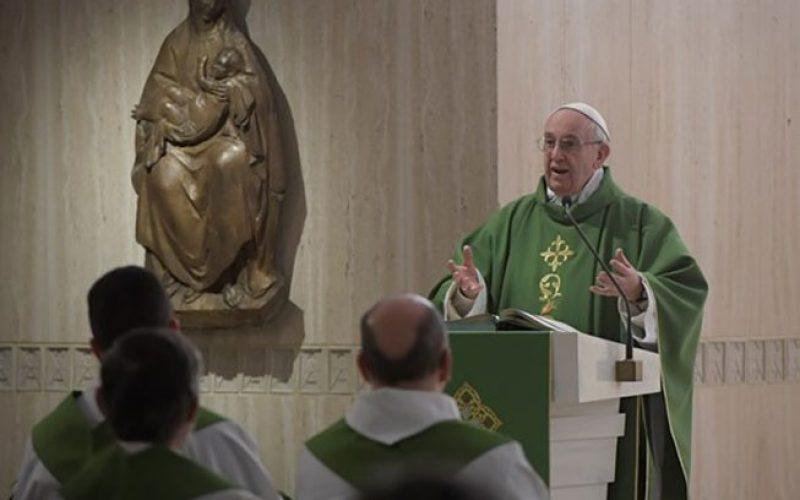 Папата: Без жените нема хармонија во светот