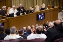 Папата до монаштвото: Излезете од своите сигурни зони