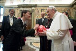 Папата: Во сржта на секоја спортска активност е радоста