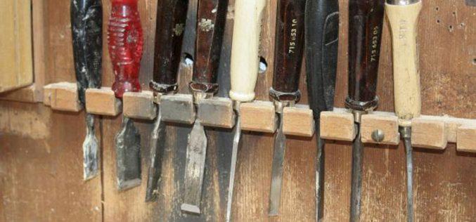 Ѓаволот ги продава сите свои алатки