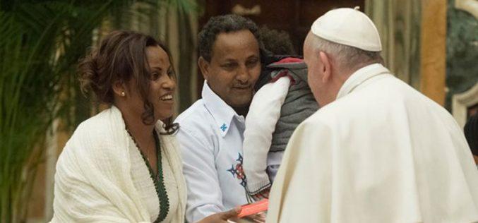 Папата за мигрантите: Морален императив за да се прифатат
