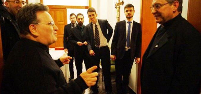 """Бискупот Стојанов во посета на семинаријата """"Редемпторис Матер"""" во Сараево"""