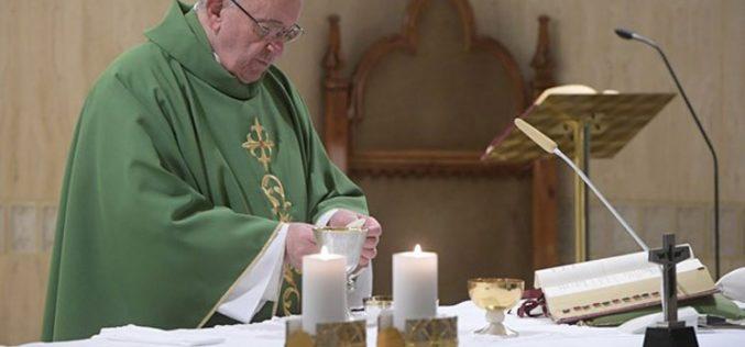 Папата: Барајте го најпрво Царството Божјо