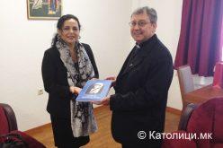 Бискупот Стојанов се сретна со директорката Божиновска