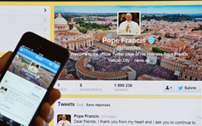 Папата на Твитер: Да се молиме едни за други