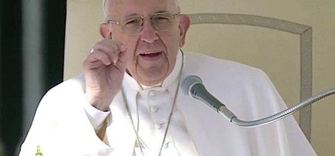 Папата: Посилните нека им помагаат на послабите