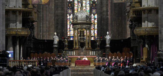 Што им кажа Папата на богопосветените лица во Милано?
