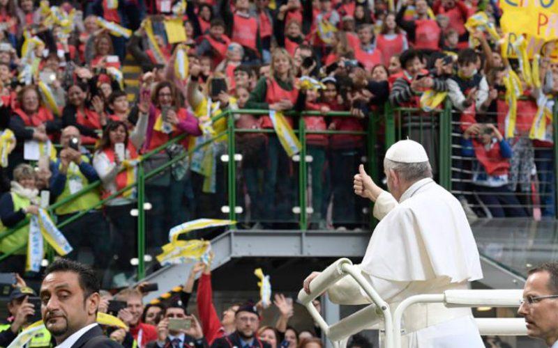 Во Милано Папата одговараше на прашања од младите