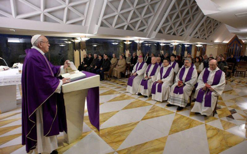 Папата: Верата е радосно прифаќање на животот